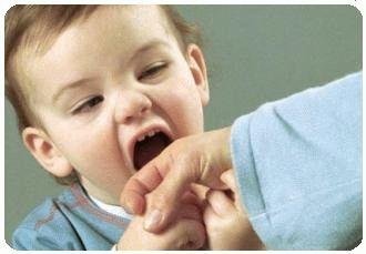 почему маленькие дети кусаются